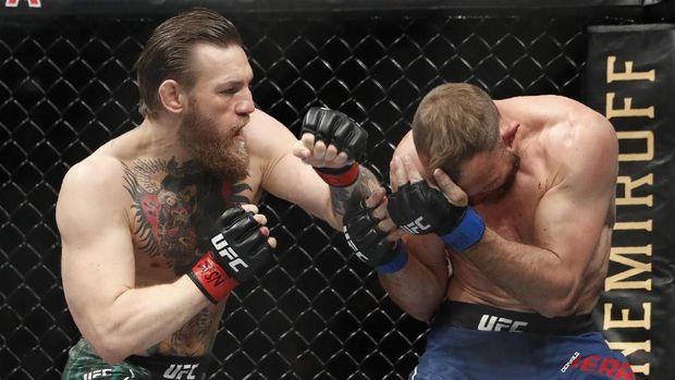 Conor McGregor mengalahkan Cowboy Cerrone hanya dalam waktu 40 detik. (