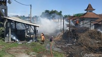 Pabrik Gula Merah Tradisional di Tulungagung Ludes Terbakar