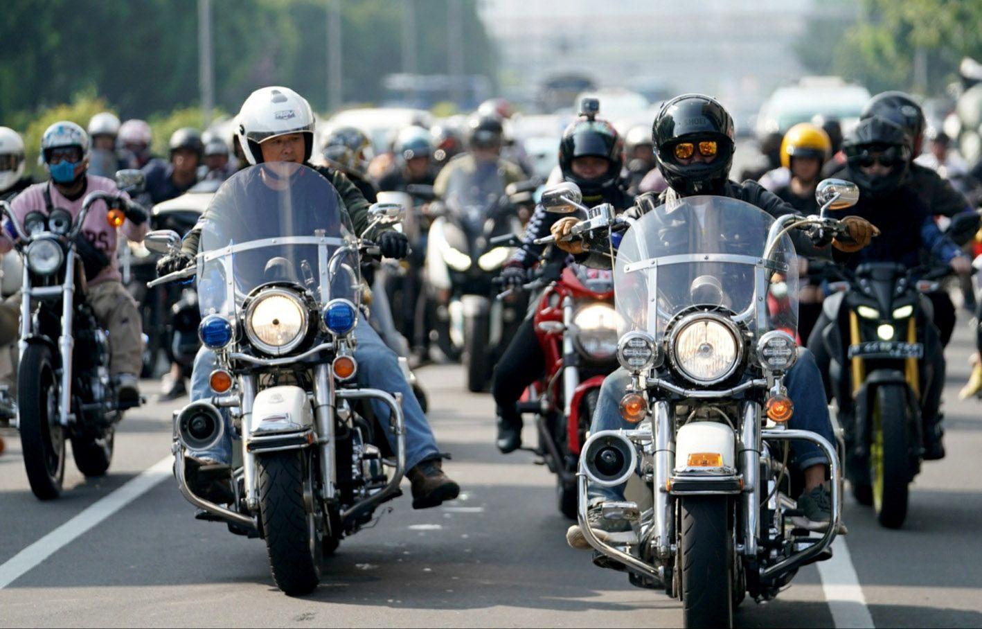 Michelin Indonesia bersama ratusan pengendara motor besar mengadakan kegiatan Sunmori. Dalam kegiatan itu juga turut disosialisasikan keselamatan berkendara