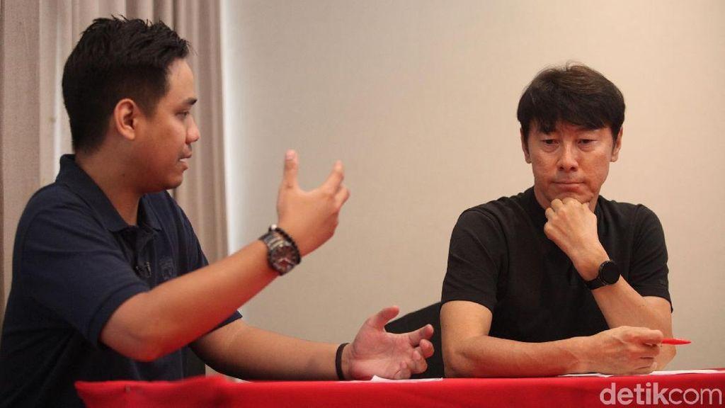 Tonton Wawancara Eksklusif Pelatih Timnas Indonesia Shin Tae-yong
