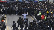 Demonstran Serang Polisi Hong Kong, Penyelenggara Unjuk Rasa Ditangkap