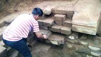 Gali Tanah untuk Septic Tank, Warga Temukan Bangunan Candi di Dieng