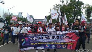Buruh Tolak RUU 'Sapu Jagat'