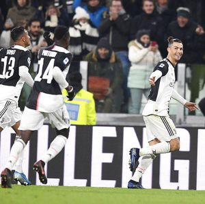 Video Ronaldo Bantu Juventus Bungkam AS Roma 3-1
