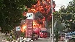 Truk Tangki BBM Terbakar di SPBU Batulawang Kota Banjar