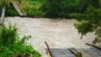 Video Jembatan Gantung di Bengkulu Putus, 7 Orang Tewas