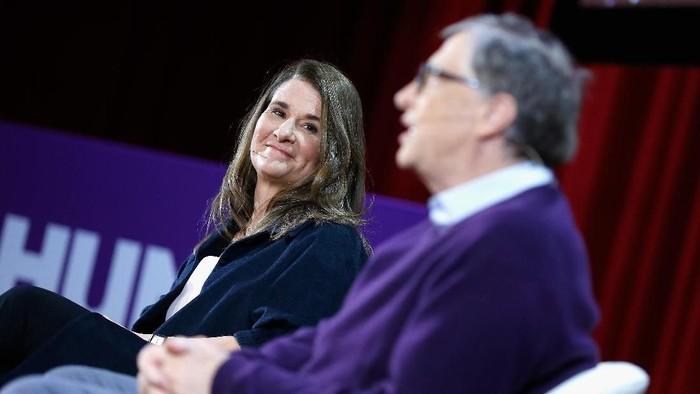 NEW YORK, NY - FEBRUARY 13:  Melinda Gates and Bill Gates speak during the Lin-Manuel Miranda In conversation with Bill & Melinda Gates panel at Hunter College on February 13, 2018 in New York City.  (Photo by John Lamparski/Getty Images)