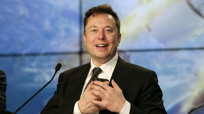 Elon Musk founder, CEO, and chief engineer/designer of SpaceX speaks during a news conference after a Falcon 9 SpaceX rocket test flight to demonstrate the capsules emergency escape system at the Kennedy Space Center in Cape Canaveral, Fla., Sunday, Jan. 19, 2020. (AP Photo/John Raoux)