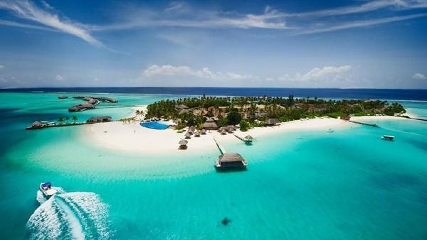 Peringkat kedua diduduki bersamaan antara Maldives dan Australia. Banyak yang menjadikan pemandangan lautan biru dan pasir putih Maldives sebagai background Zoom mereka. (iStock)