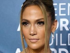 Wajah Awet Muda di Usia 51 Tahun, Jennifer Lopez Ngaku Tak Pernah Botox