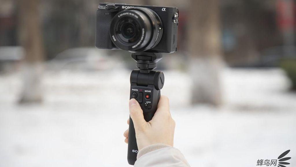 Sony GP-VPT2BT, Tongsis yang Bantu Vlog Lebih Mudah