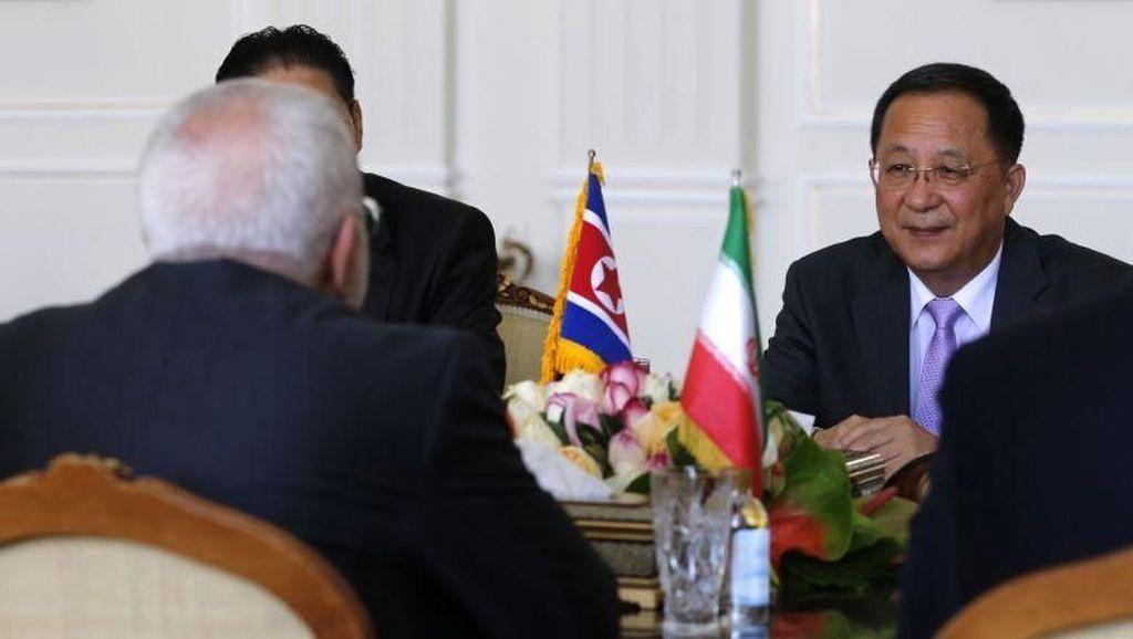 Menlu Korea Utara Ri Yong Ho Dicopot dari Jabatannya