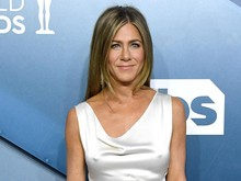 Pengorbanan Jennifer Aniston Demi SAG Awards