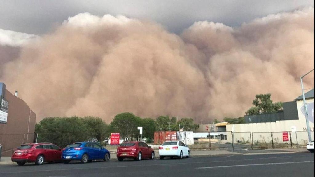 Dahsyat! Ini Penampakan Badai Pasir di Australia