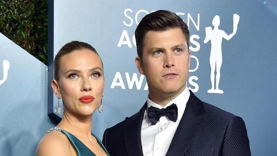 Scarlett Johansson Pamer Tato dan 11 Tindikan di SAG Awards 2020