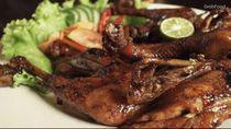 Huahh! Ayam Bakar dan Pepes Bandeng Ini Pedasnya Nonjok Medok