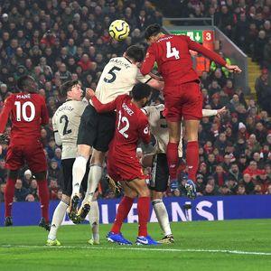 Liverpool Vs MU: Senjata Si Merah dari Bola Mati Itu Bernama Van Dijk