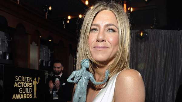 Jennifer Aniston tampil Seksi di SAG Awards, Demi Brad Pitt?