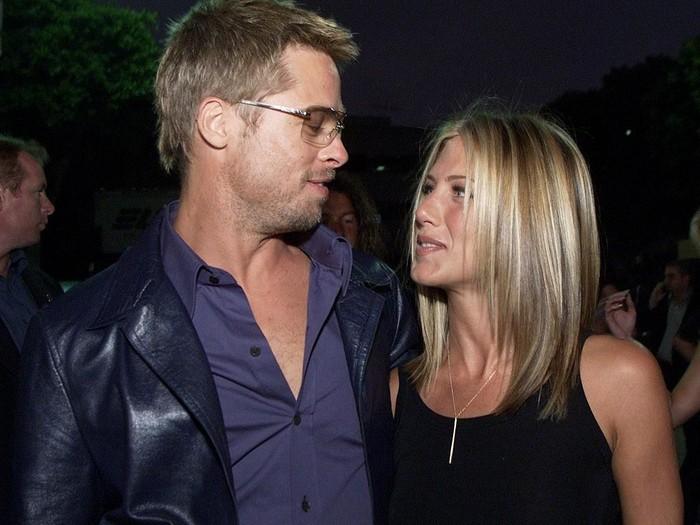 371747 01: Brad Pitt & Jennifer Aniston attending the Los Angeles Premiere of the new movie