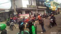 Video Opang dan Ojol Nyaris Bentrok di Sukabumi, Polisi Meredam