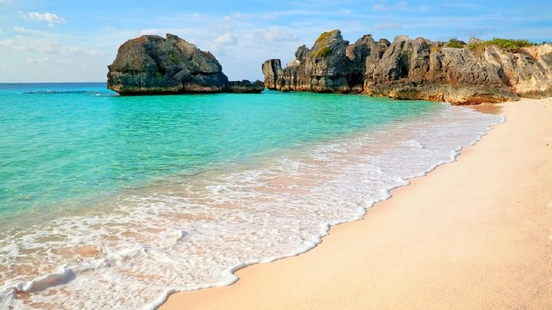 Beautiful beach with waves in Warwick Long Bay in Bermuda