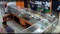 Viral Aksi Perampokan di Jaksel, Korban Ditodong Celurit Usai Makan di Warteg