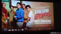 Guru-Guru Gokil, Film Perdana Garapan Dian Sastrowardoyo