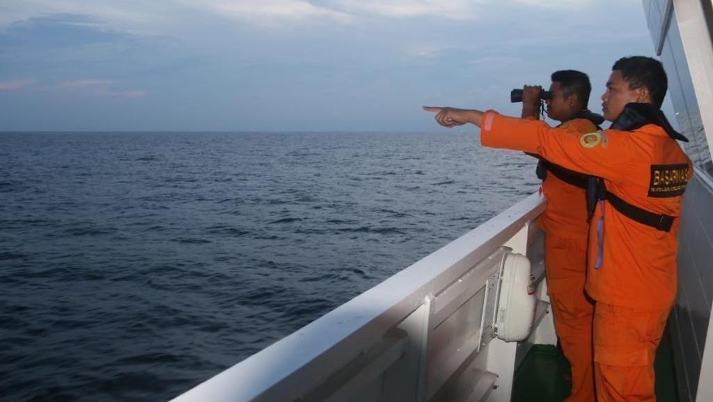 Pencarian Juru Mudi Kapal Tanker yang Jatuh di Laut Aceh Dihentikan