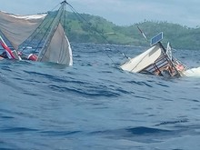 Kapal Phinisi yang Ditumpangi Wartawan Istana Terbalik di Labuan Bajo