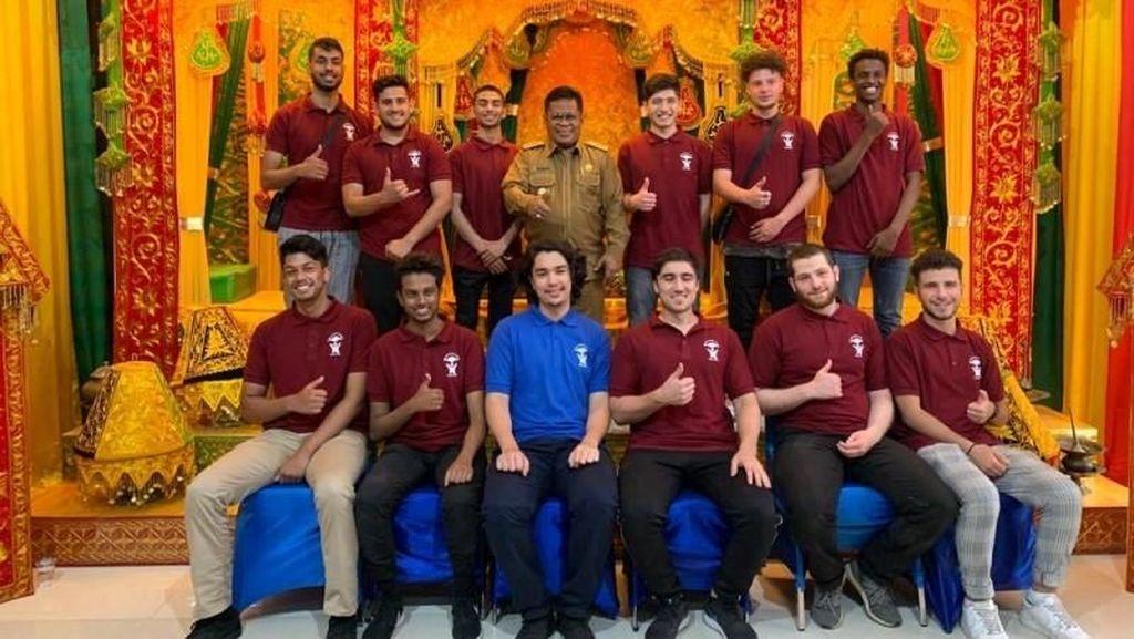 Walkot Aminullah Harap Relawan Australia Jadi Duta Wisata Aceh
