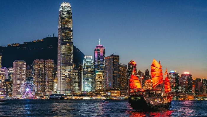 Junkboat of Hong Kong at Night