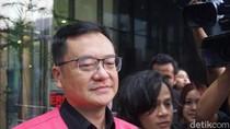 Tersangka Jiwasraya Benny Tjokro Bungkam Usai Diperiksa Kejagung di KPK