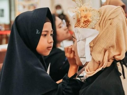 Viral Anak 9 Tahun Asal Magelang Jago Makeup Bak MUA Profesional