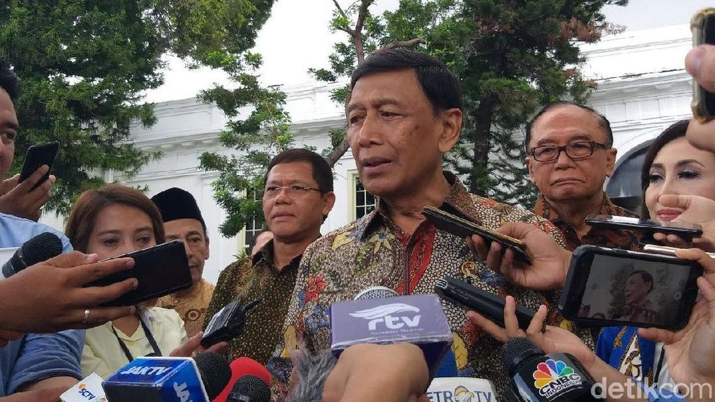 Dituding Kivlan Zen Manipulasi Kasus, Wiranto Serahkan ke Proses Peradilan