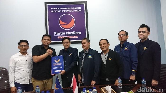 Bobby Nasution mendaftarkan diri untuk maju menjadi cawalkot Medan ke NasDem (Ahmad Arfah Lubis/detikcom)