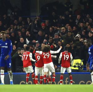 Malam Spesial Arsenal di Stamford Bridge