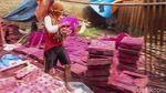 Melihat Proses Pembuatan Hio di Tangerang