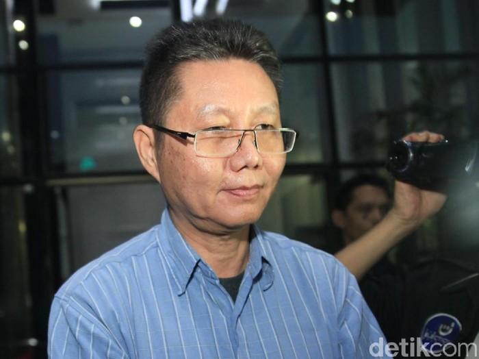 Komisaris PT Darmex Agro yang sempat menjabat sebagai Legal Manager PT Duta Palma Group pada tahun 2014, Suheri Terta diperiksa KPK.