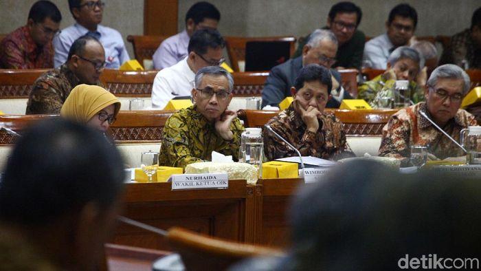 Komisi XI DPR RI menggelar rapat kerja dengan OJK untuk membahas kinerja pengawasan terhadap industri jasa keuangan seperti Jiwasraya.