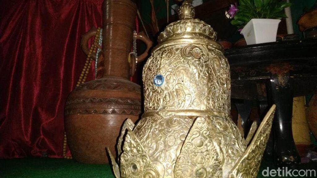 Penampakan Mahkota Galuh Haur Kuning, Berlapis Emas?