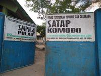 Sekolah SMP di Pulau Komodo
