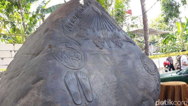 Ini Isi Ukiran di Prasasti Keraton Agung Sejagat Menurut Sang 'Empu'