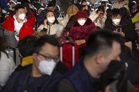 Banyak warga China yang meninggalkan Kota Wuhan yang disebut sebagai tempat mula munculnya virus corona