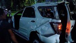 Lepas Kendali, Minibus Kecelakaan di Kolong Semanggi, Jaksel