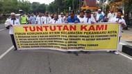Ketua RT/RW di Pekanbaru Gelar Demo, Tuntut Pelunasan Insentif 3 Bulan