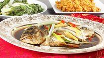 5 Fakta Unik Mengapa Ikan Utuh Harus Disajikan Saat Imlek