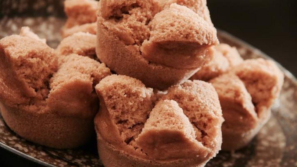 Cara dan Resep Membuat Kue Mangkok yang Mekar dan Anti Gagal!