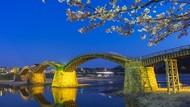 Apakah Ini Jembatan Tercantik di Negeri Sakura?