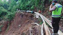 Pipa Saluran Air Warga Bandung Barat Terputus Diterjang Longsor