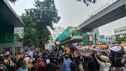 Ada Demo 221 Priok Bersatu di Depan Kemenkum HAM, Jl HR Rasuna Said Macet